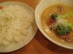棗や(なつめや) 白いスープカレー