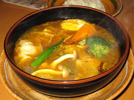 ポークと野菜のスープカレー