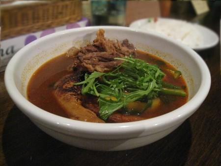 スープカレー チキン野菜 牛スジ